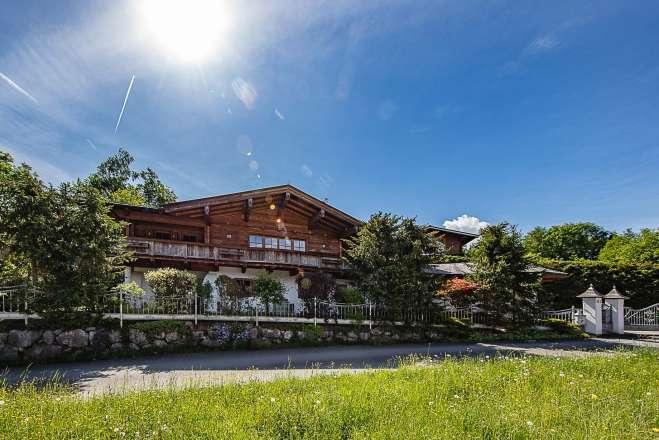 Landhaus in ruhiger Villenlage mit Kaiserblick