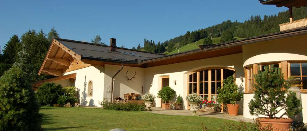 Spacious country house next to the ski piste