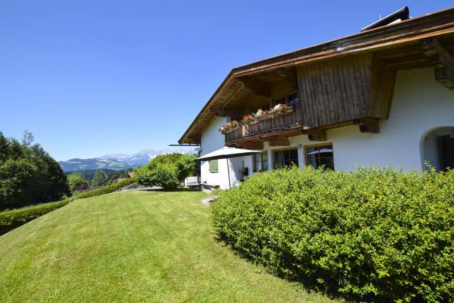 Triplex Tyrolean house in gorgeous location