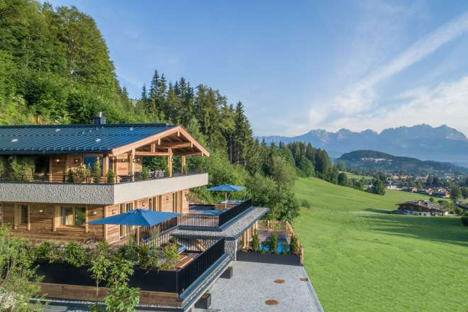 """Newly built chalet at the foot of the """"Hahnenkamm"""""""