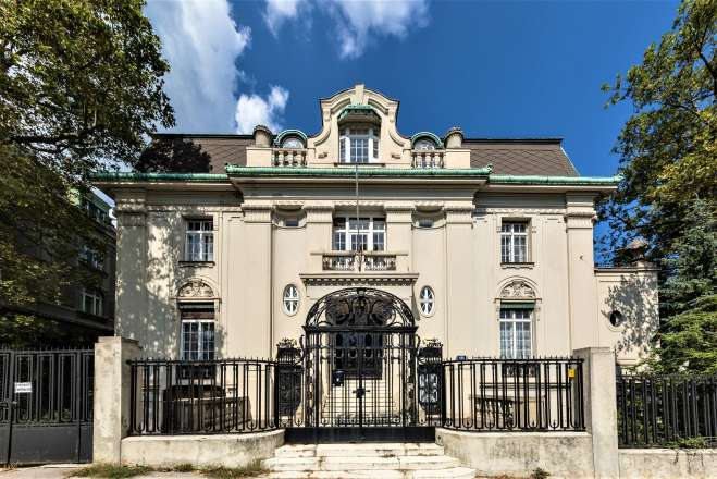 Extraordinary Estate Palais with rich history