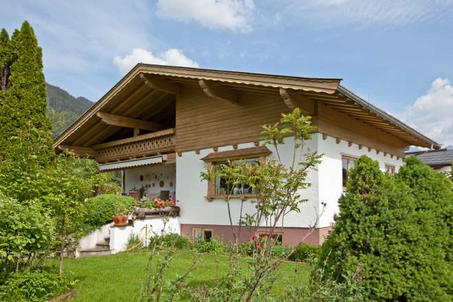 Exclusive sales: Well-kept house at the Schwarzsee golf course