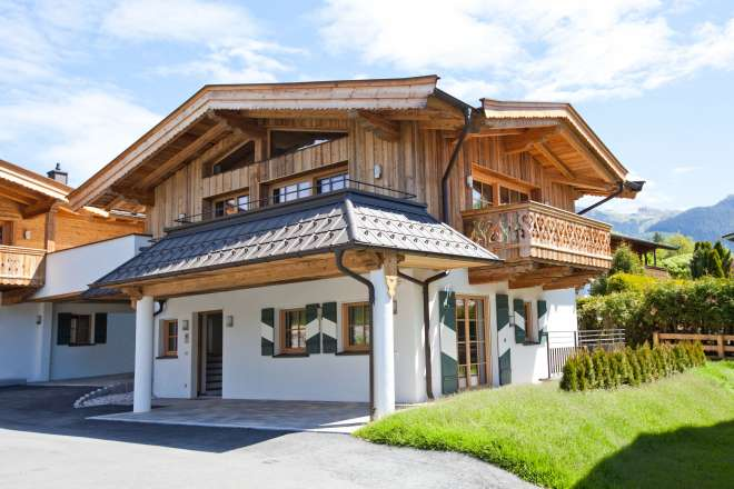 Adorable chalets by the Schwarzsee