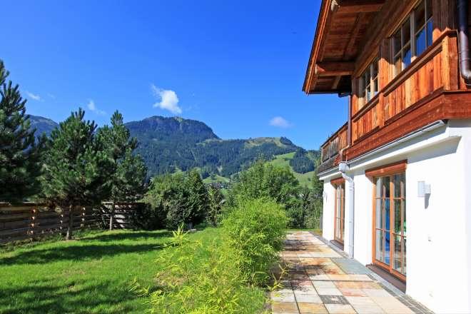 Schickes Landhaus mit Hahnenkamm-Blick in Bestlage am Sonnberg